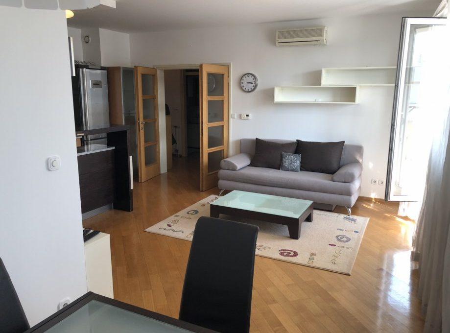 stan-zagreb-trnje-84-m2-luksuzan-garaza-blizina-centra-slika-96578445