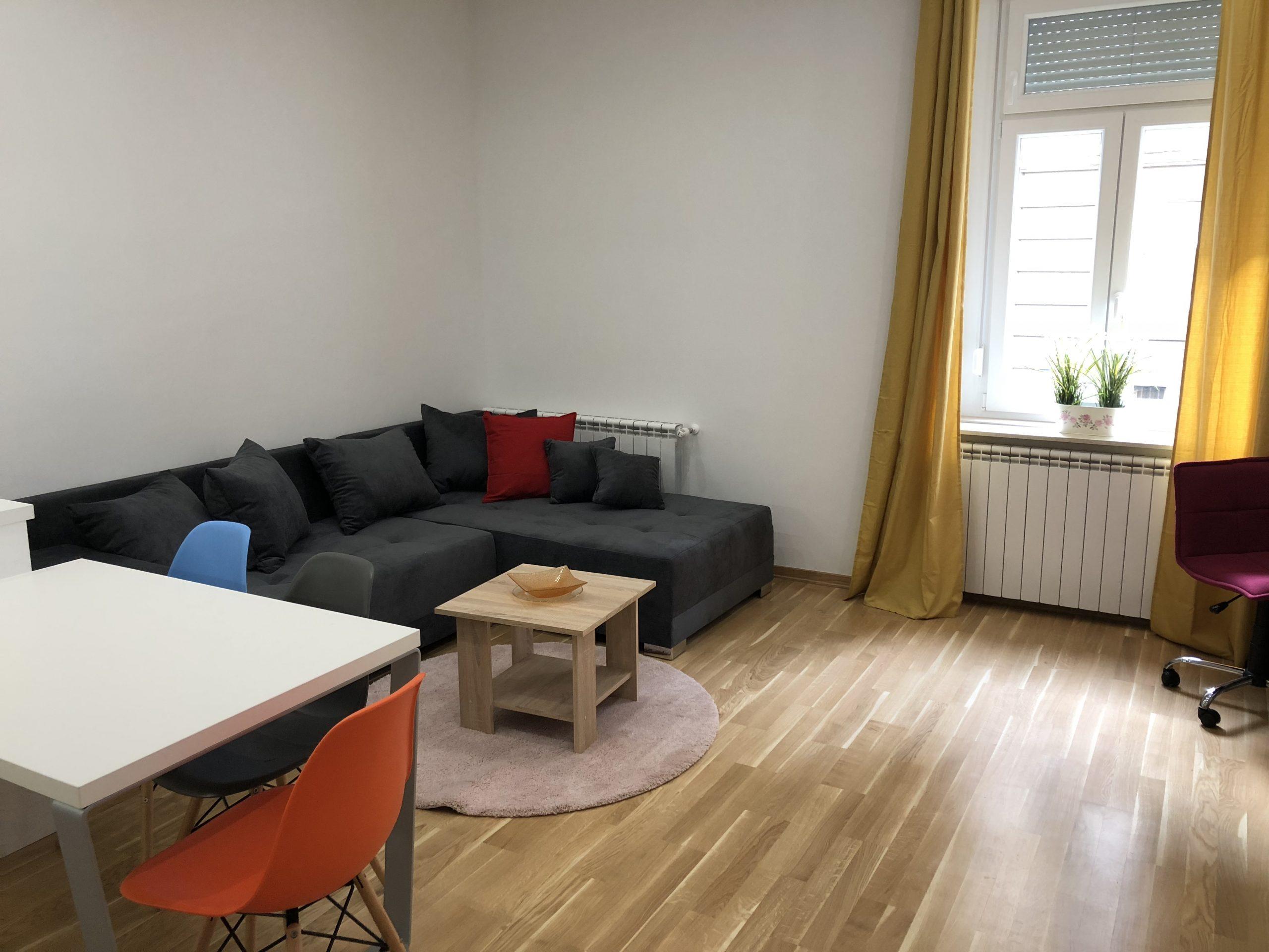 Stan: Zagreb (Donji grad), 40 m2 , Šenoina NOVOADAPTIRAN ,  (iznajmljivanje)