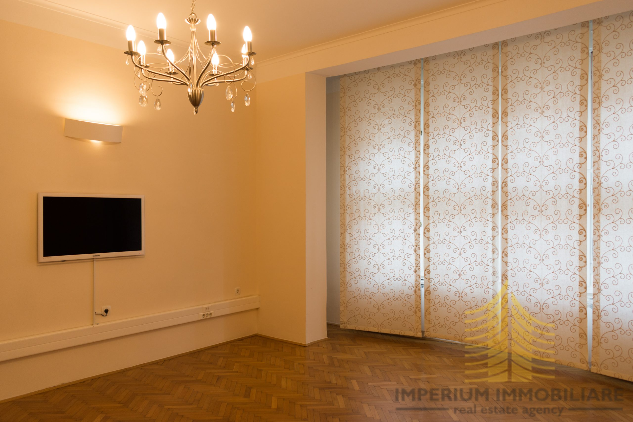 Poslovni prostor: Zagreb (Donji grad), uredski, 135 m2 (iznajmljivanje)
