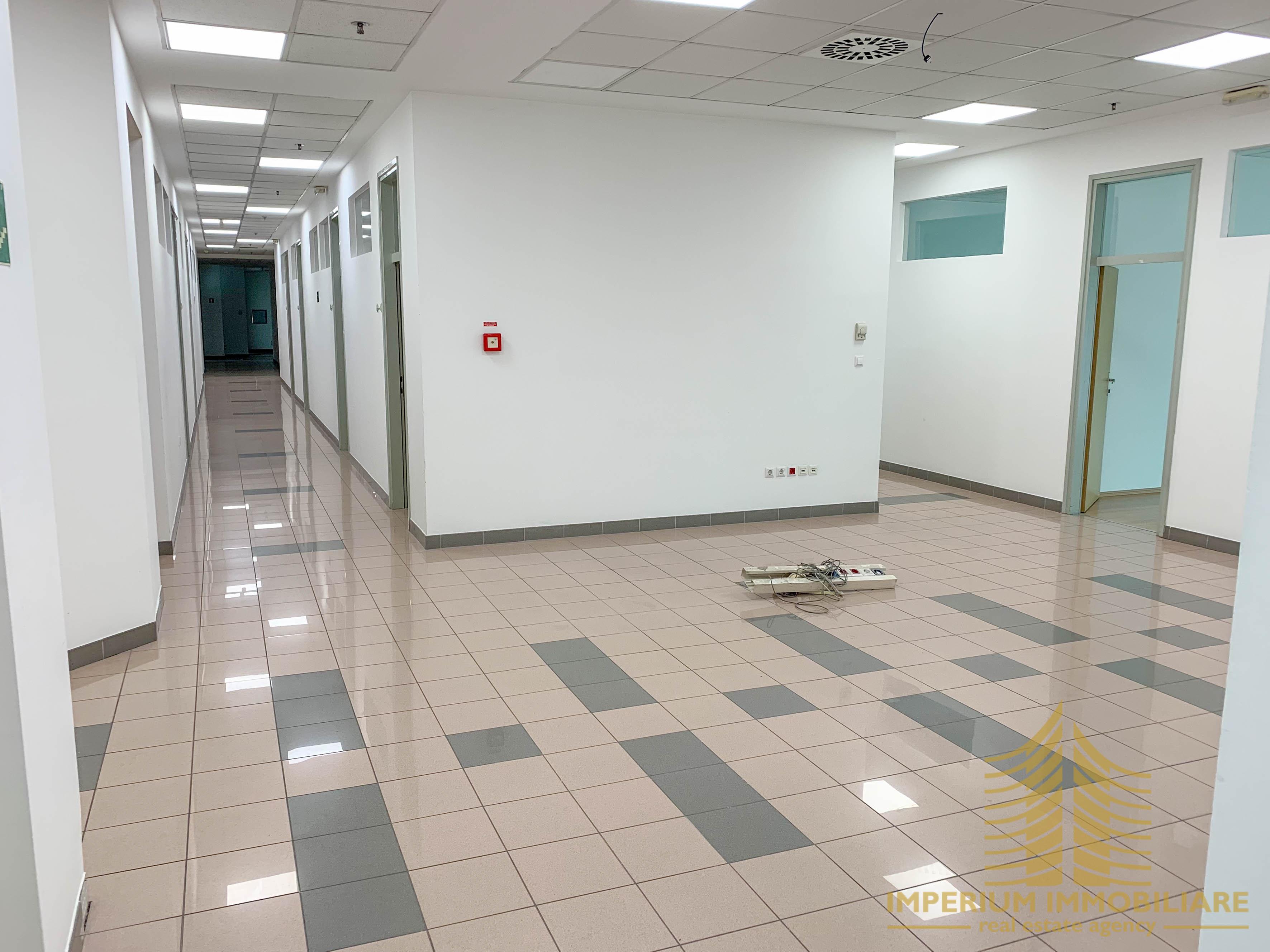 Poslovni prostor: Zagreb (Buzin), uredski, 1128 m2 (iznajmljivanje)