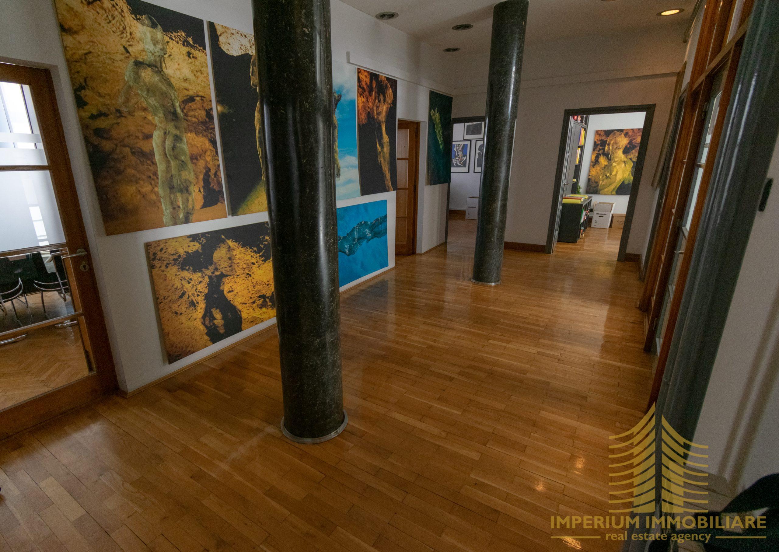 Poslovni prostor: Zagreb (Donji grad), uredski, 225 m2, 2 PARKINGA (iznajmljivanje)