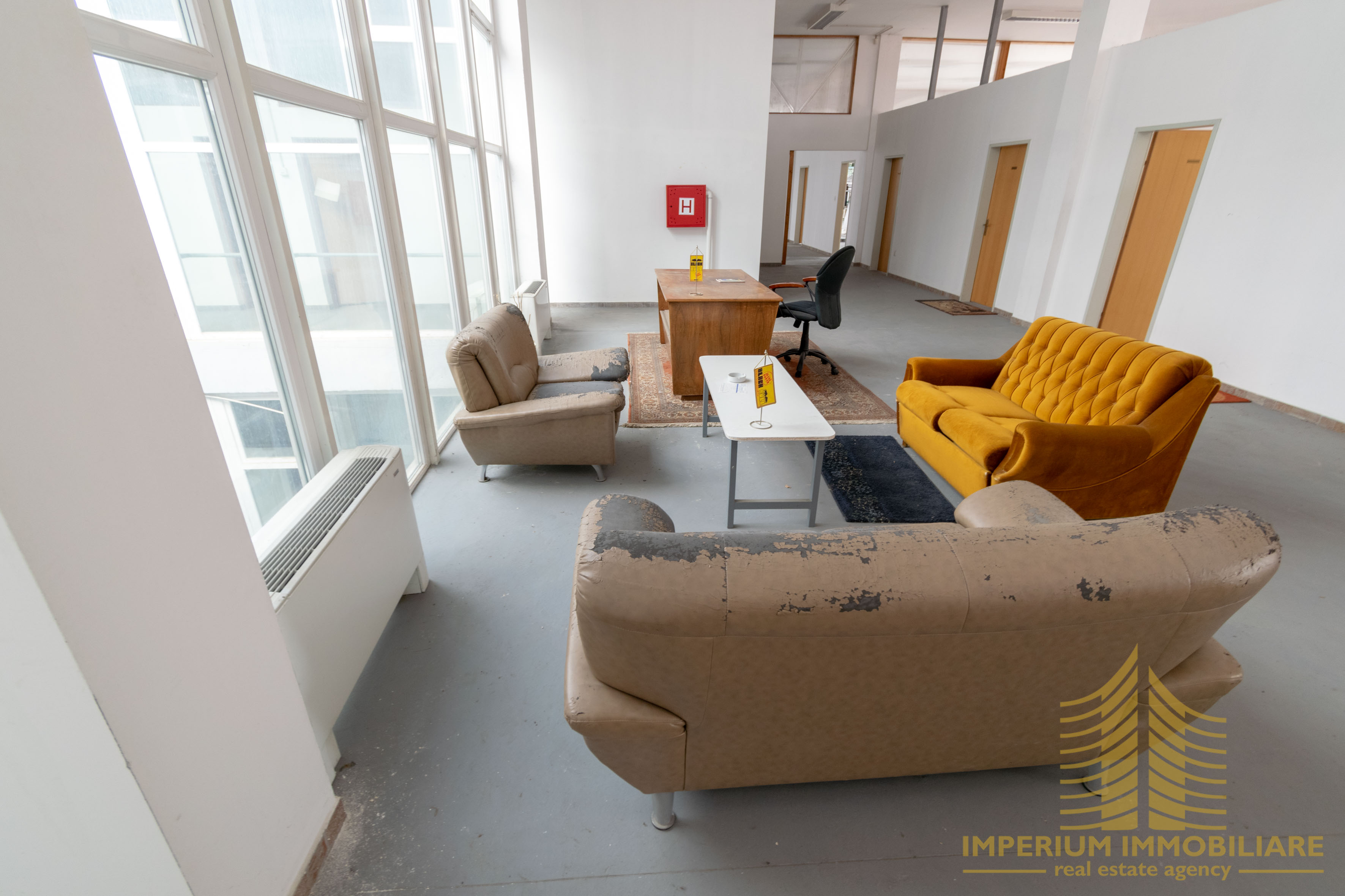Poslovni prostor: Zagreb (Žitnjak), skladišni/radiona,1600 m2, PRILIKA (iznajmljivanje)