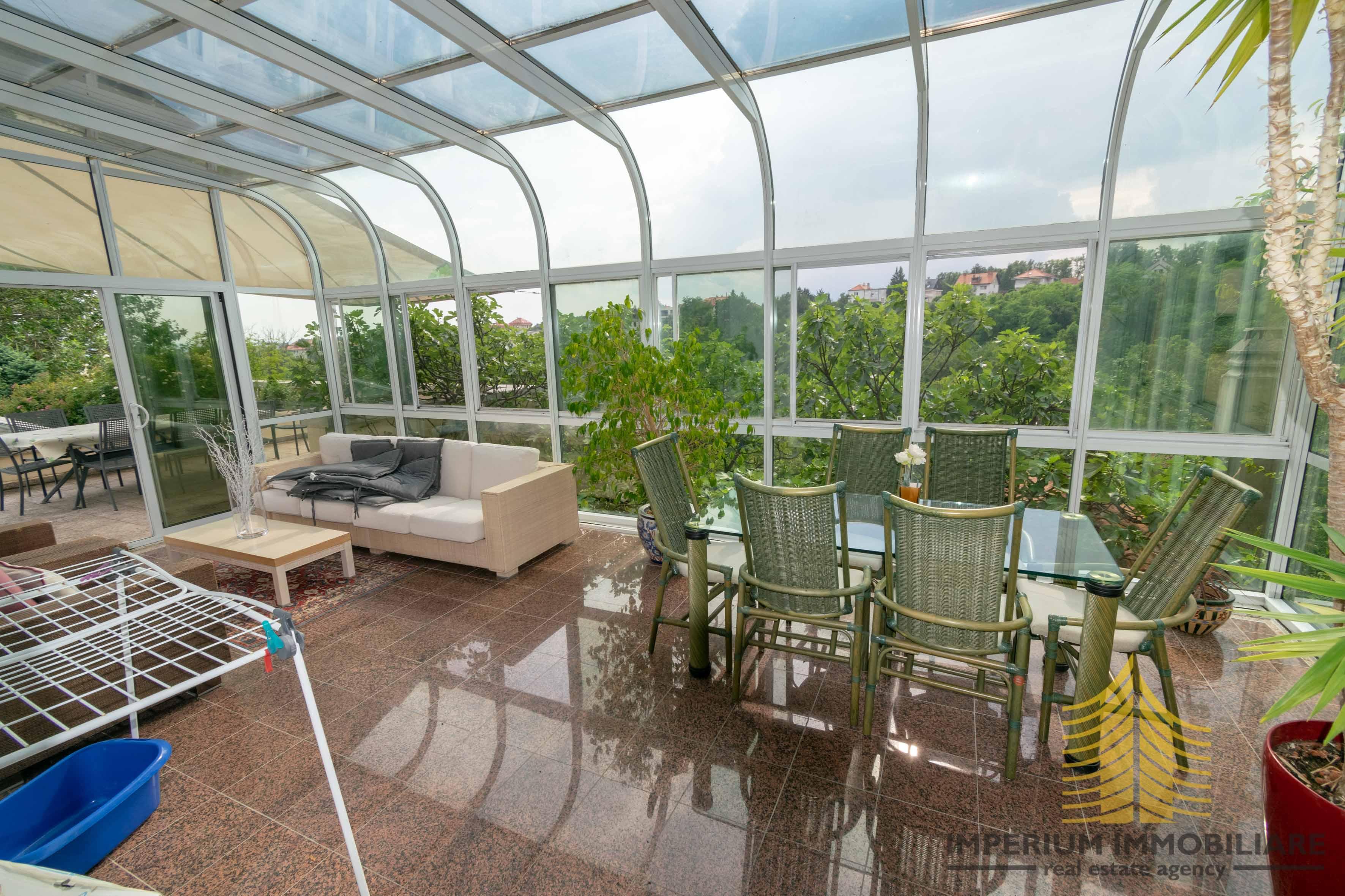 Kuća: Zagreb (Zelengaj), višekatnica, 220.00 m2 i zemljište 1187 m2 (prodaja)