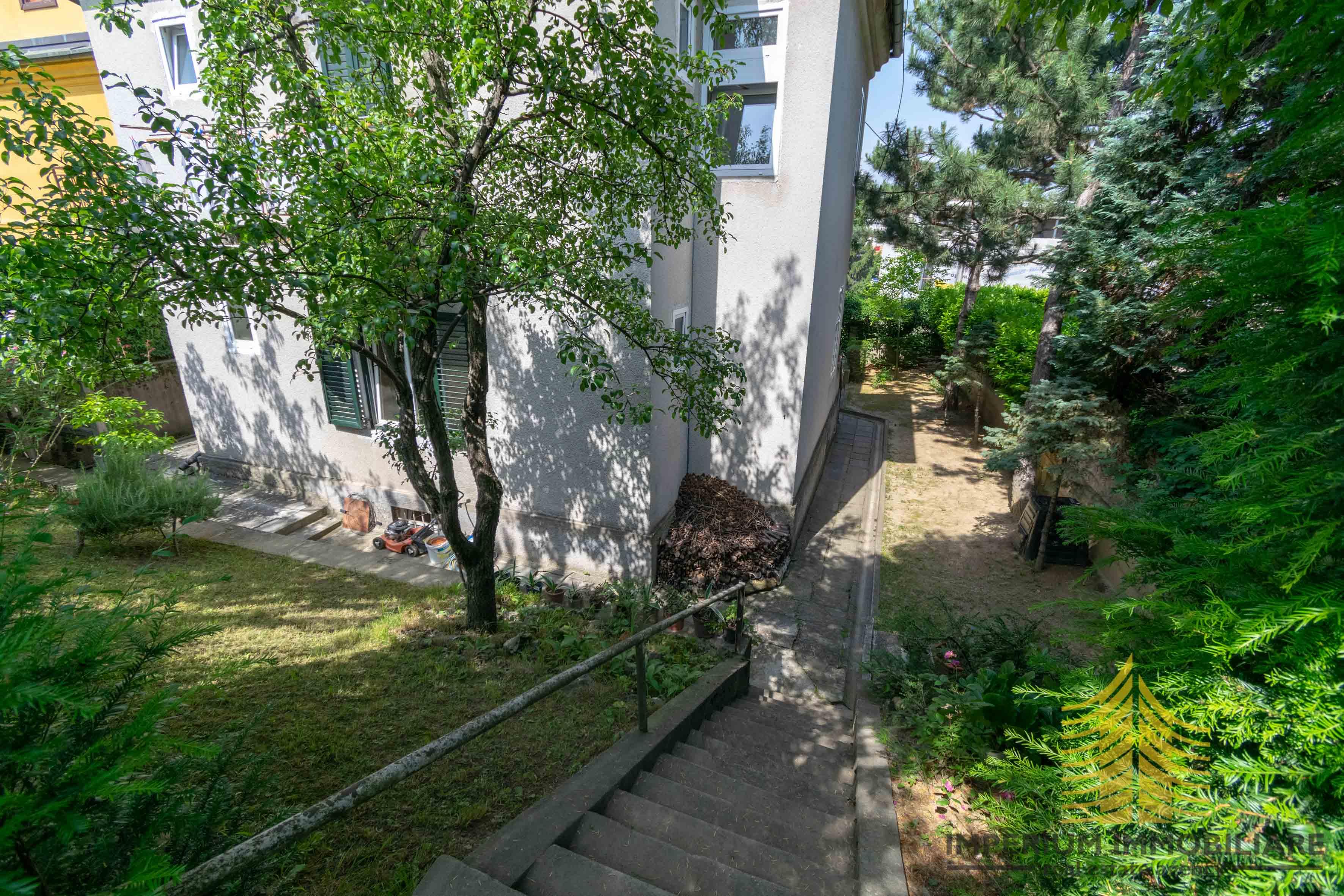 Kuća: Zagreb (Ribnjak), dvokatnica, 337 m2, ŠALATA, GARAŽA (prodaja)
