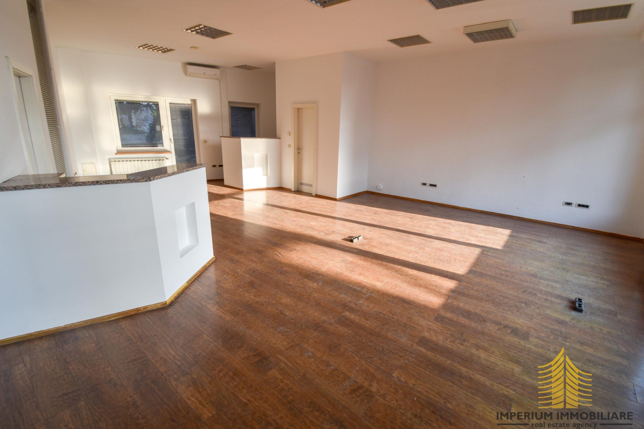 Poslovni prostor: Zagreb (Voćarsko naselje), uredski, 71 m2 (iznajmljivanje)