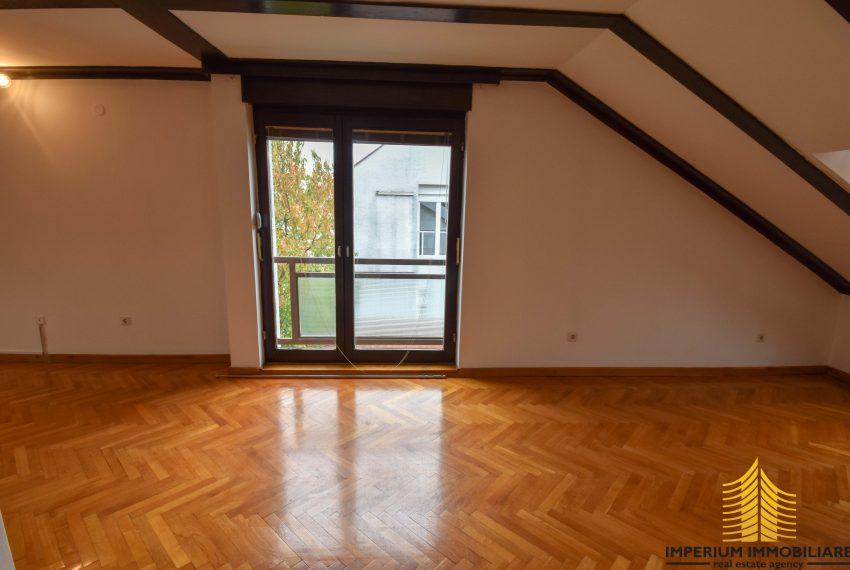 Kuća: Zagreb (Jačkovina), dvokatnica, 220.00 m2 (prodaja)