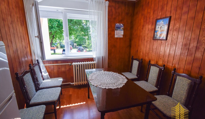 Stan: Zagreb (Savski gaj), 140.00 m2, dvoetažan, 4ss, parking! (iznajmljivanje)