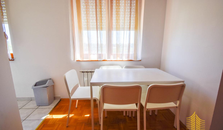 Stan: Zagreb (Kajzerica), 49.00 m2, 1ss + db, balkon (iznajmljivanje)